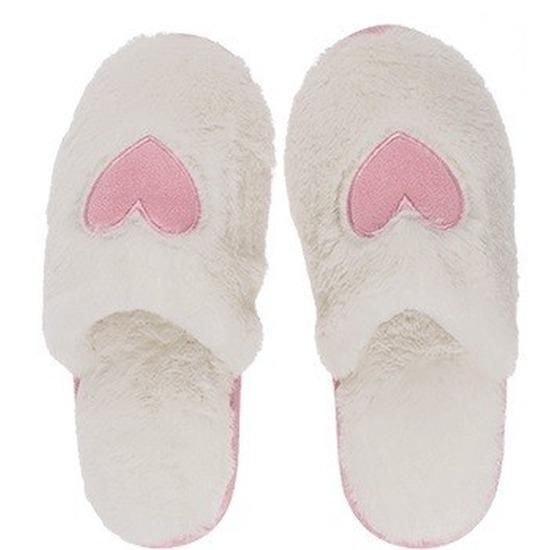 25edac801315f0 Witte pantoffel dames slippers met hartjes | Sloffen dames - Grote ...